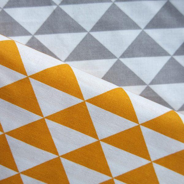Stof driehoek oker of grijs met wit ANNIdesign