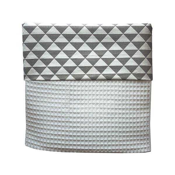 Ledikantdeken Babykamer driehoek grijs_wafelstof wit_ANNIdesign