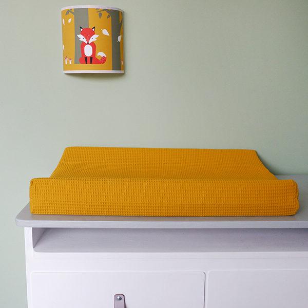 Aankleedkussenhoes babykamer Wafelstof Basic oker geel ANNIdesign 01