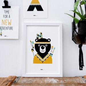 Poster Indiaan Beer oker geel ANNIdesign 03