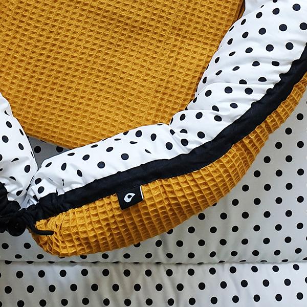 Babynestje & Boxkleed Stip op wit Wafelstof oker ANNIdesign 02
