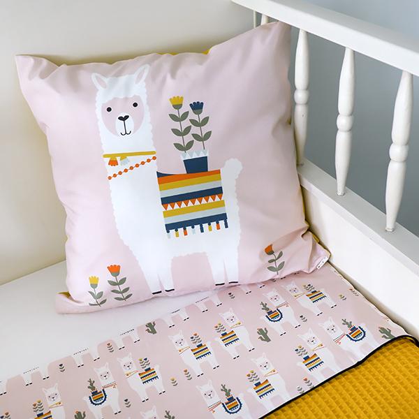 Kussen Lama roze ANNIdesign 03