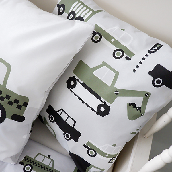 Kussen Voertuigen Auto olijf groen ANNIdesign 04