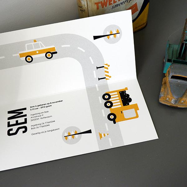 Geboortekaart Voertuigen Auto oker geel ANNIdesign 05
