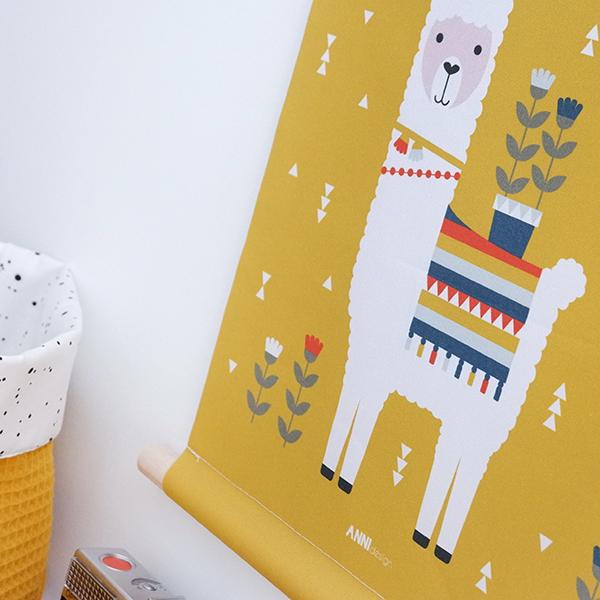 Textielposter Lama oker geel ANNIdesign 02