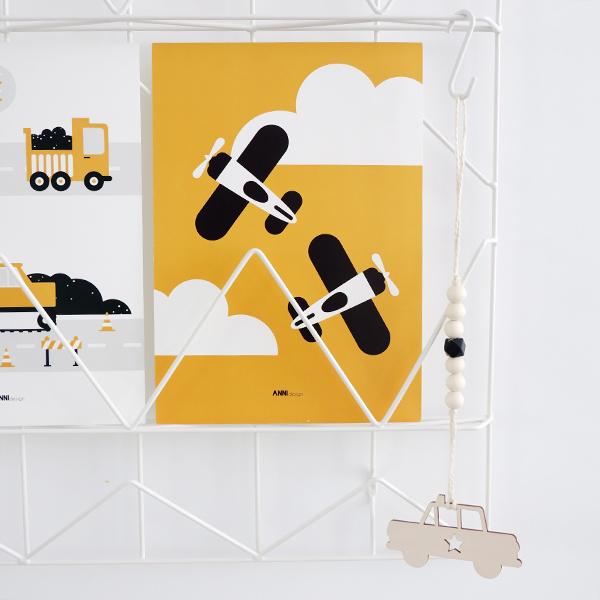 Poster Vliegtuig en wolken oker geel ANNIdesign 01