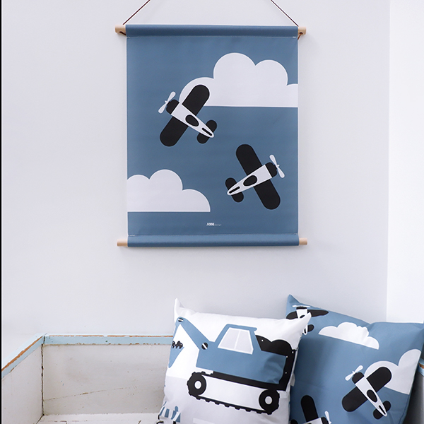 Textielposter Vliegtuig in wolken jeans blauw ANNIdesign 03