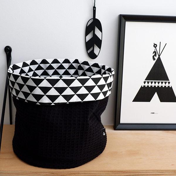 Commodemandje driehoek zwart_wafelstof zwart_ANNIdesign_01