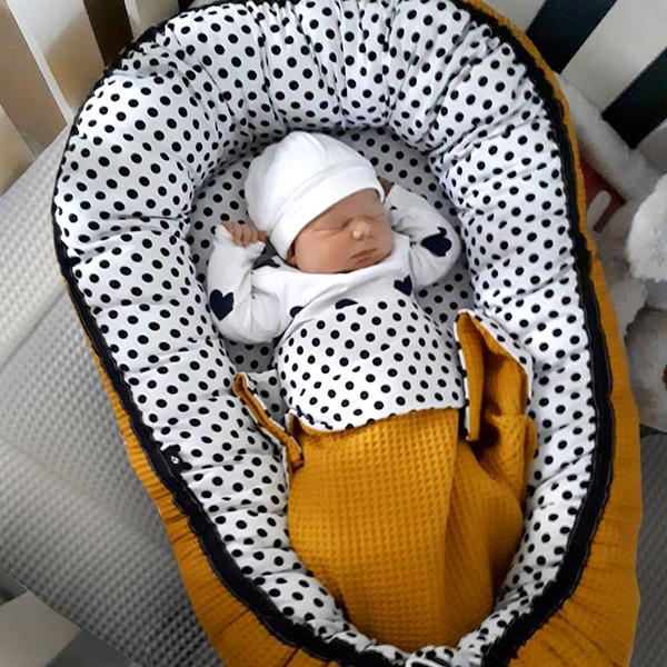 Babynestje Stip met oker ANNIdesign