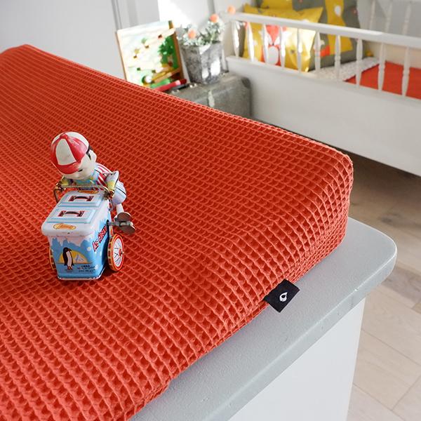Aankleedhoes Wafelstof Basic terracotta rood ANNIdesign 02