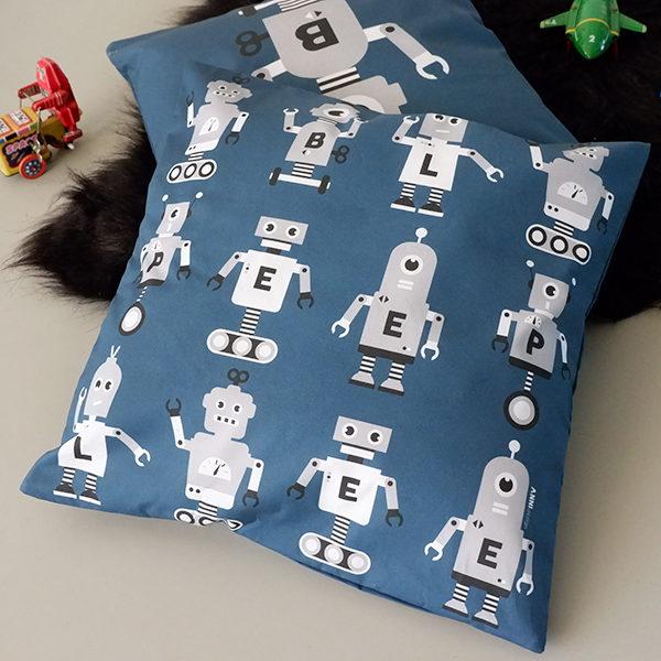 Kussen Robot donker blauw met grijs ANNIdesign 02