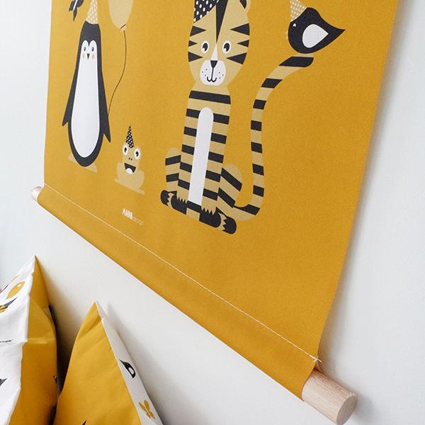 Textielposter Feestbeest oker geel ANNIdesign 02