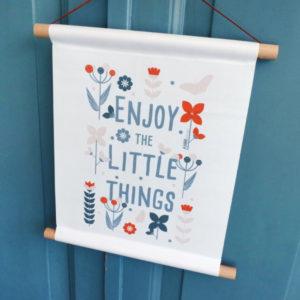 Textielposter Bloemen Enjoy little things ANNIdesign jeans blauw 01