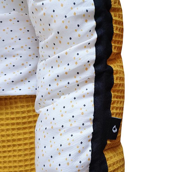 Babynestje compleet Wybertjes oker en zwart met Wafelstof oker ANNIdesign 02