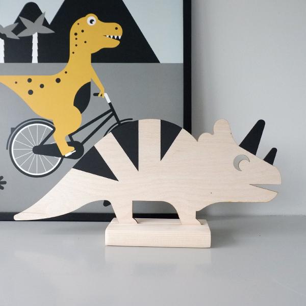 Houten Dino decoratie met staander ANNIdesign 01