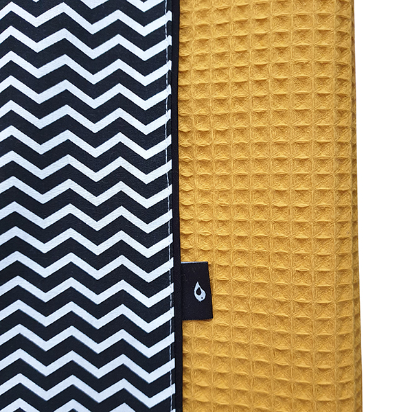 Aankleedkussenhoes Zigzag zwart Wafelstof oker ANNIdesign 02