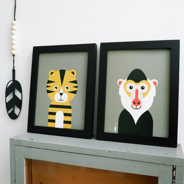 Poster set Safari Baviaan en Tijger olijf groen ANNIdesign 01