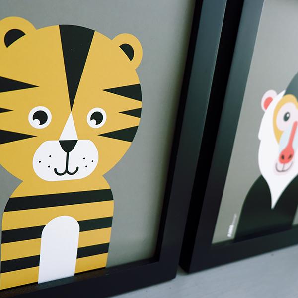 Poster set Safari Baviaan en Tijger olijf groen ANNIdesign 02