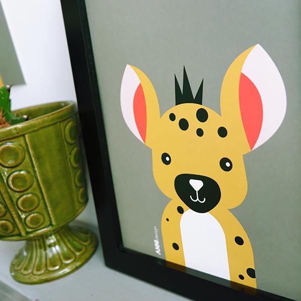 Poster set Safari Gazelle en Hyena olijf groen ANNIdesign 02