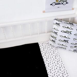 Ledikantdeken Babykamer Triangel op wit ANNIdesign Wafelstof zwart 01