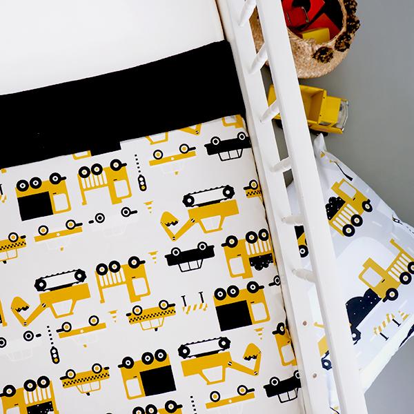 Ledikantdeken Voertuigen oker geel_Wafelstof zwart ANNIdesign 01