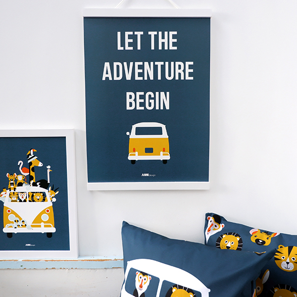 Poster Safari Adventure begin donker blauw ANNIdesign 01