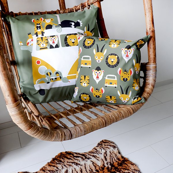 Kussen XL Safari olijf groen ANNIdesign 01