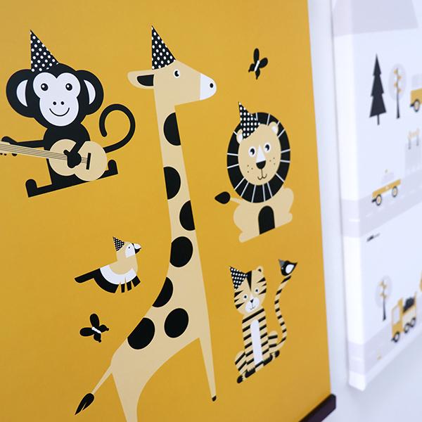 Poster Feestbeesten oker geel ANNIdesign 02