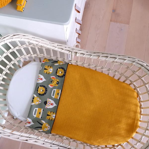 Wiegdeken Safari olijf groen Wafelstof oker geel ANNIdesign 01