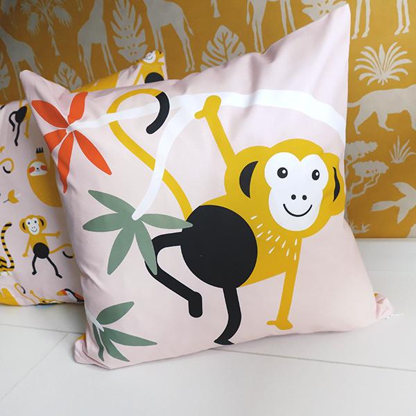 Sierkussen Jungle Aap oud roze ANNIdesign 03