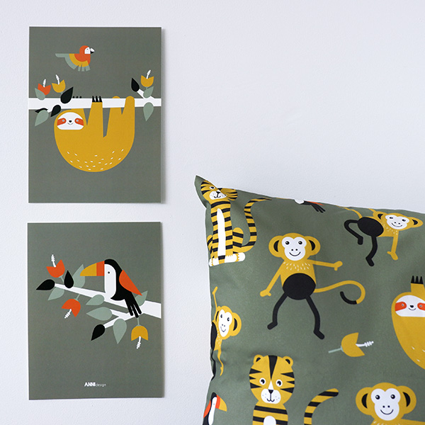 Poster set Jungle Luiaard en Toekan olijf groen ANNIdesign 01